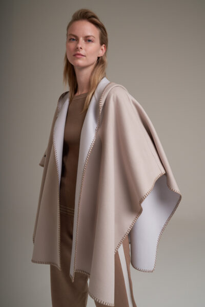 MANZONI 24 WOMAN - 22PM358 - Double face Loro Piana cape with hood and blanket stitches - 002
